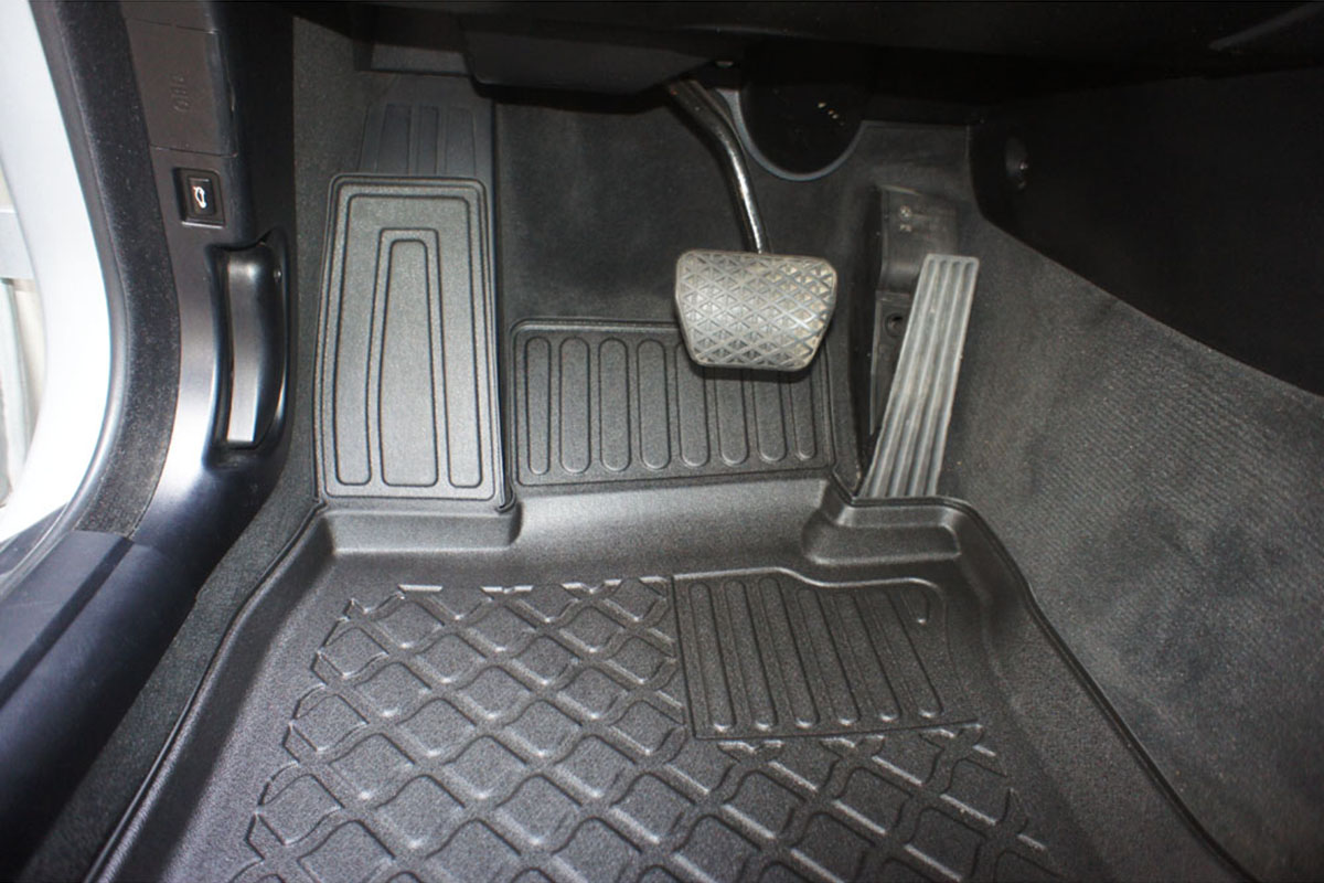 Vana do kufru Dacia Logan Sandero Stepway 5D 09R htb