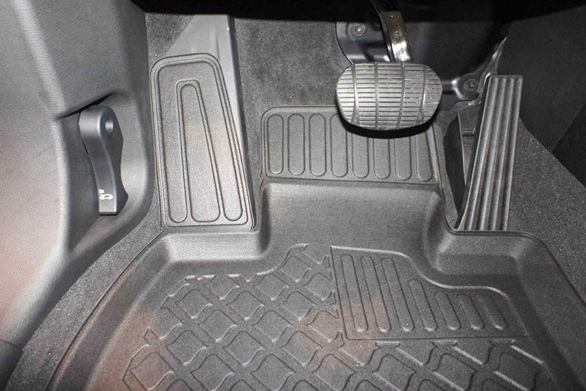Ofuky Dacia 4D -->93R