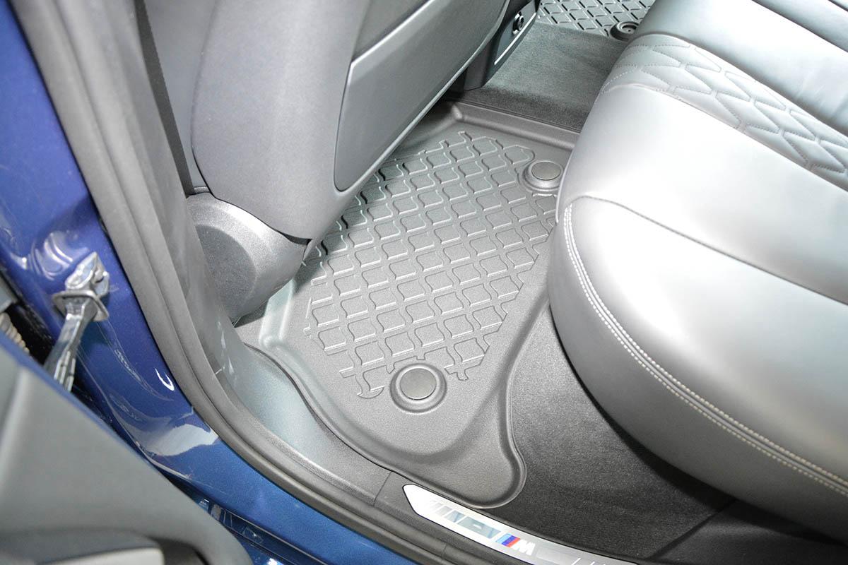 Ofuky Chrysler 300C 4D 04R