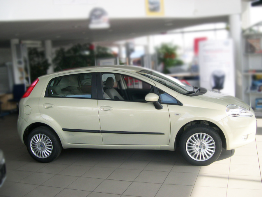 Ofuky Peugeot 205/309 5D --->94R