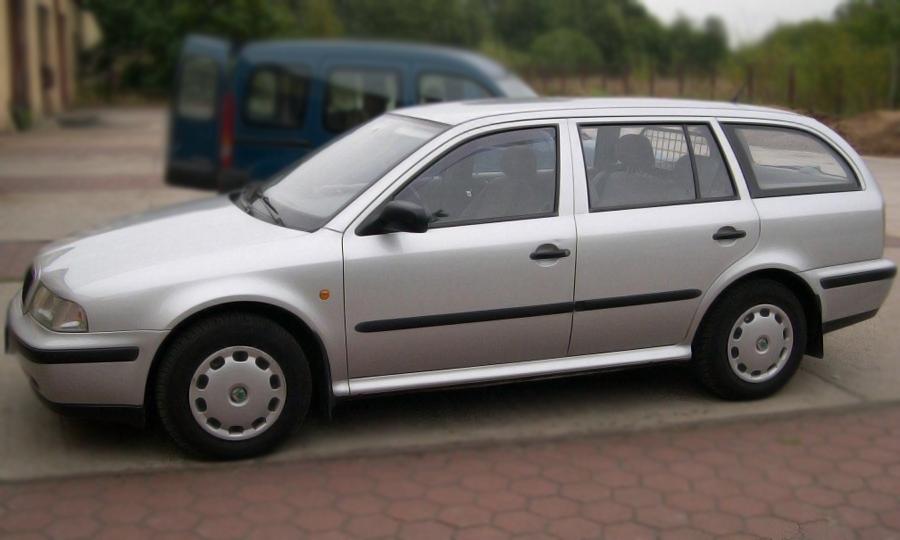 Ofuky Škoda Octávia 5D 05R (+zadní) combi