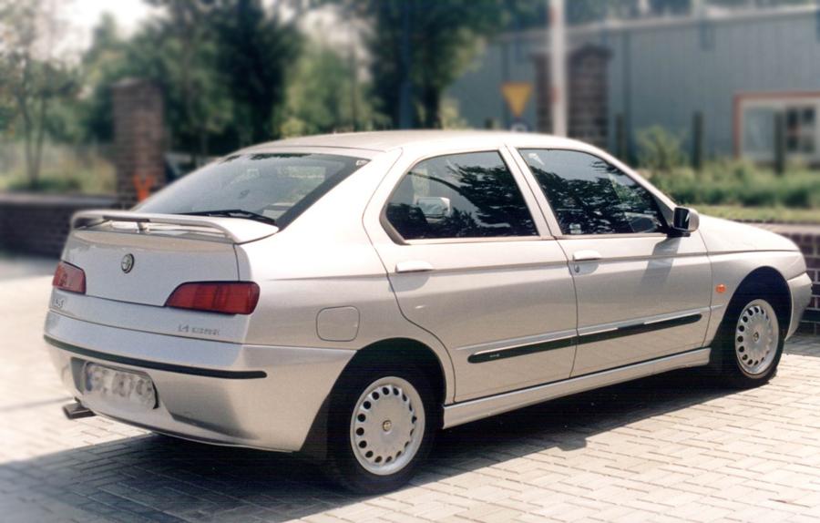 Ofuky oken Škoda 105/120 přední Heko
